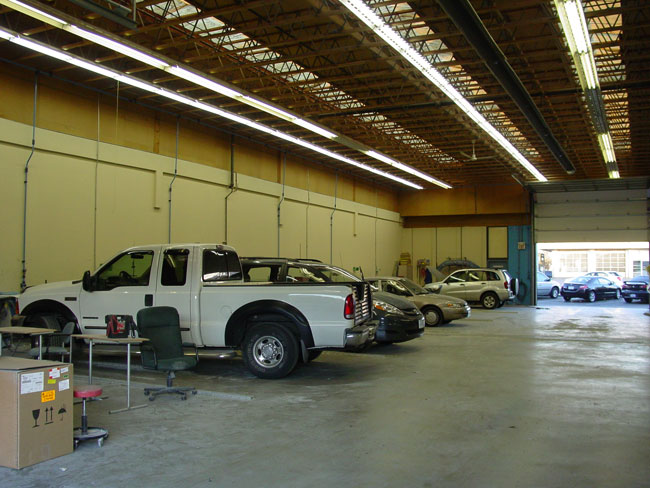 South Seas Auto Body and Painting ~ Huge Shop